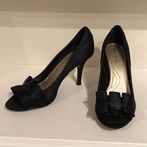 Tahari black open toe pumps